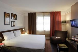 Mercure Paris La Defense Arche